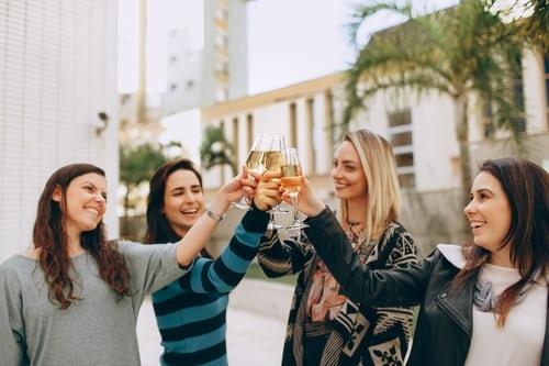 8 consigli (+1) per fare amicizia all'estero